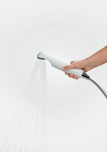 Using the AS SHOWER Legionella shower filter